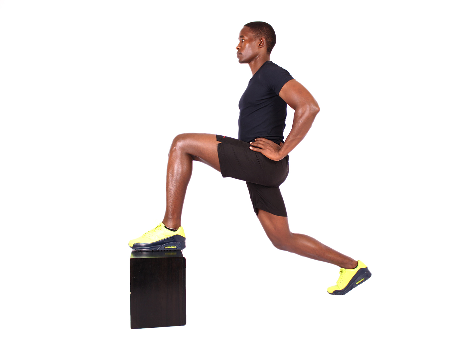 Athlete doing lunges on step up box
